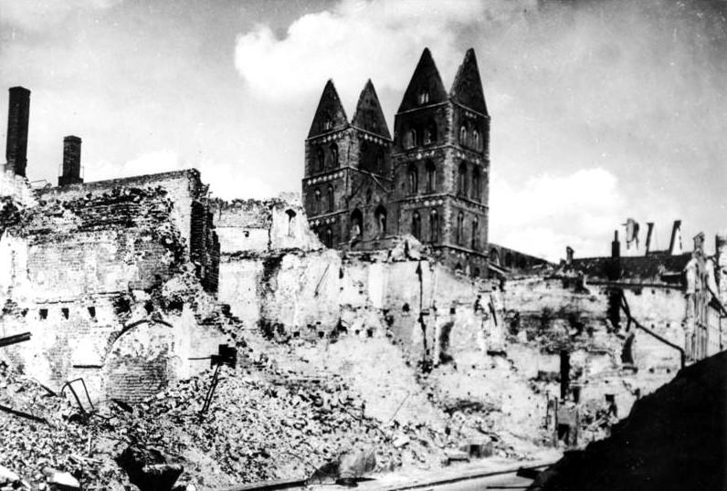 Ruinen um die Lübecker Marienkirche