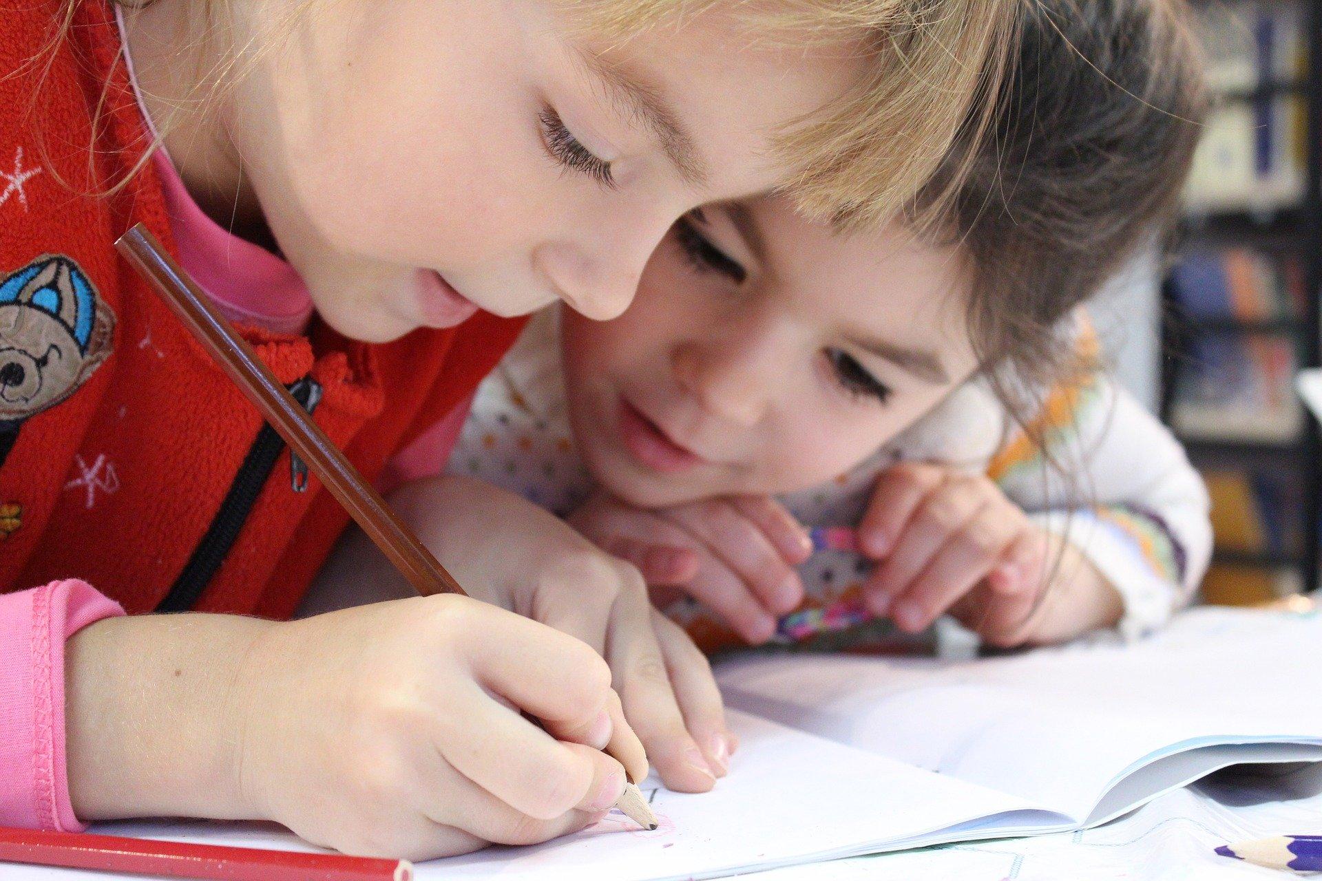 Kinder, Schule